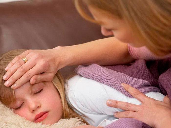 Понос и температура у ребенка