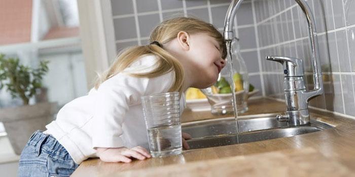 Непривычная питьевая вода для ребенка
